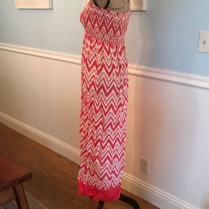 espresso Dresses - 💗Summer dress ready! Size Small pink & white maxi